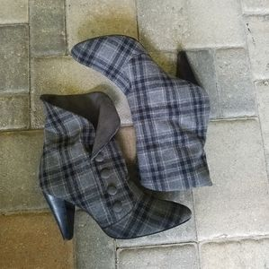 Bakers Elaine Plaid Ankle Boots Size 10
